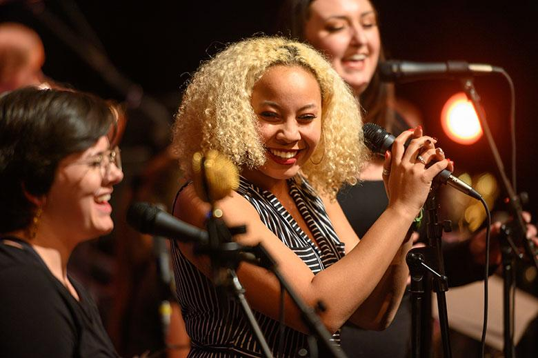 Soul singers perform on stage