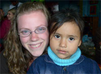 Holly Hudson with Peruvian child