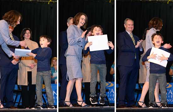 Robert Thom accepts his expo award